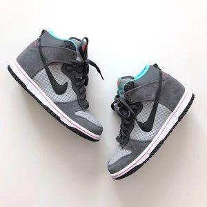 NIB!! Nike Dunk High (GS) Size 5Y fits WMNS 6.5-7